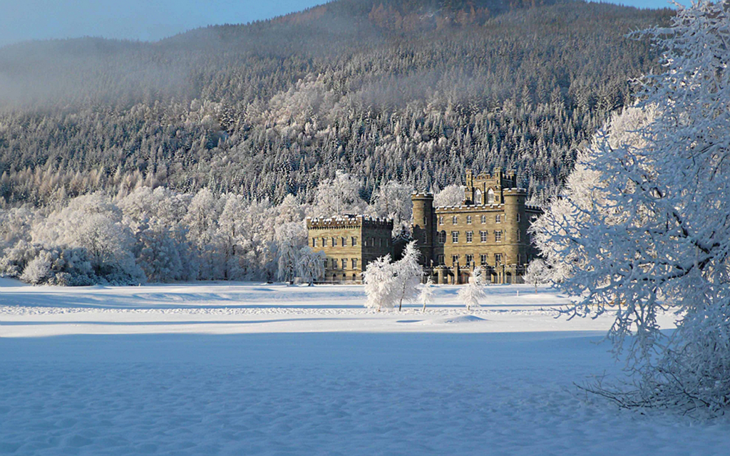 Taymouth Castle - Construction for hotel and